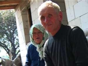 Dumitru Vacarciuc şi mama sa, disperaţi de ceea ce li se întâmplă