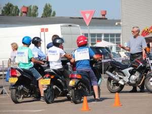Mopediştii suceveni au luat lecţii de legislaţie rutieră