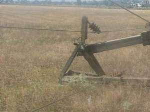 Reparaţii în valoare de aproximativ 650.000 de lei în reţelele electrice, din cauza furtunii