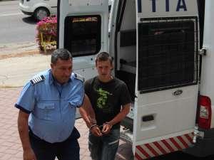 Daniel Ieţcu (17 ani) a fost trimis în judecată pentru tentativă de omor calificat