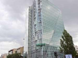 Crystal Tower, una dintre cele mai impozante clădiri de birouri din Capitală