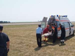 În urma impactului, minorul a suferit un traumatism cranial minor şi o fractură la nivelul oaselor antebraţului