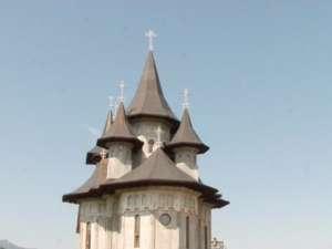 Pelerinaj de Schimbarea la Faţă pe Ceahlău, la mănăstire