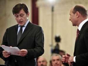 Antonescu: Mesajul meu este: nu vă temeţi oameni buni, nu e sat fără câini România. Băsescu: Relax! Foto: MEDIAFAX