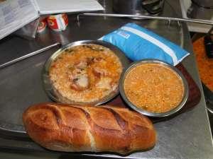 Prânzul şi cina unui asistat social, în ziua de marţi, 7 august