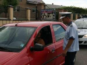 Poliţiştii rutieri, trei zile de controale axate pe maşinile cu numere străine
