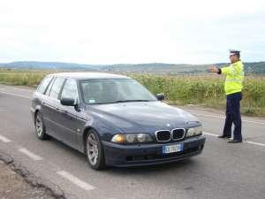 Poliţiştii verifică în amănunt maşinile înmatriculate în străinătate