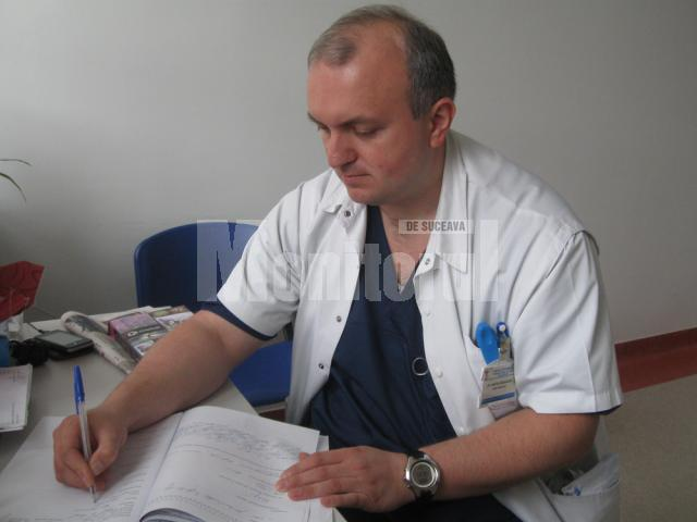 """Dr. Anatol Burlacioc: """"Deşi efectele nu apar imediat, ci în timp, vara este perioada când se pun bazele modificărilor de la nivelul pielii"""""""