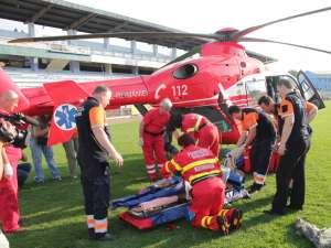 Elicopterul SMURD l-a preluat pe pacient aseară, în jurul orei 18.00, de pe stadionul Areni
