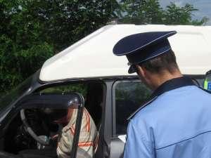 Poliţiştii au identificat în trafic mai mulţi şoferi aflaţi sub influenţa alcoolului