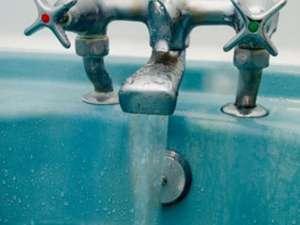 Locuitorii din Ipoteşti au parte de apă la robinete doar între anumite ore