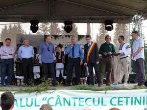 """La Dorna Arini s-a desfăşurat Festivalul """"Cântecul cetinii"""""""