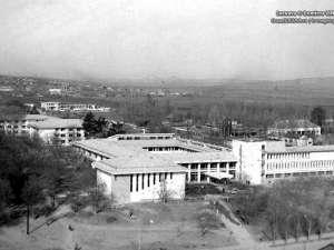 Institutul de Invatământ Superior Suceava. Foto: Dumitru Vinţilă