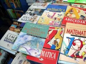 Manualele vor fi distribuite  în şcoli de către Depozitul Judeţean de Manuale