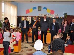 Centrul after-school din Mihoveni a fost inaugurat în mod oficial