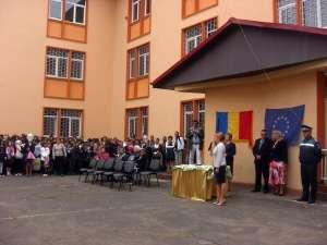 Sanda-Maria Ardeleanu: Să fiţi sănătoşi şi încrezători în puterea educaţiei prin şcoală!