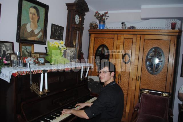 Laur Hreniuc va studia la o şcoală superioară de muzică din Paris