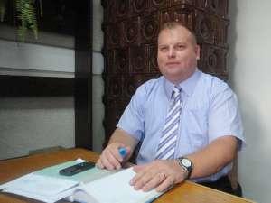 Romeo Adrian Răuţu a fost numit de director al SC Servicii Comunale SA Rădăuţi începând cu data de 4 octombrie, iar salariul său lunar net este de 7.920 de lei