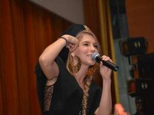 Cântăreaţa pop/dance/R&B Corina (Corina Bud), a întârziat aproape două ore