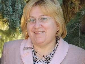 """Carmen Andronachi a fost numită directorul Colegiului Naţional """"Eudoxiu Hurmuzachi"""""""