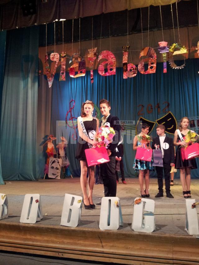 Titlul de Miss Boboc a fost obţinut de Oana Ursu, iar Mister Boboc a fost ales Flavius Rusu