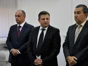 Alexandru Băişanu (stânga), Octavian Ilisoi (centru) şi Florin Sinescu (dreapta)