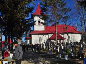 La Biserica Dolhasca