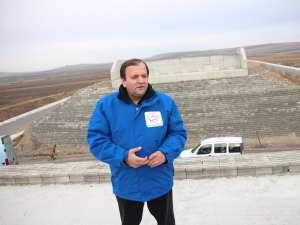 Gheorghe Flutur şi-a început campania pentru Senat de pe şantierul părăsit al şoselei de centură