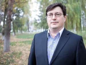 Medicul Tiberius Brădăţan, candidatul USL pentru funcţia de senator în Colegiul nr. 2 Suceava