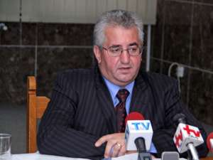 """Ion Lungu: """"Toţi cei 19 parlamentari, adică inclusiv cei ai minorităţilor, trebuie să depună amendamente să fie asigurate fondurile necesare"""""""