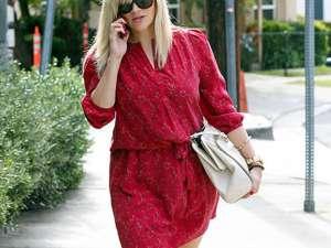 Reese Witherspoon a revenit în trei luni la silueta de dinainte de sarcină