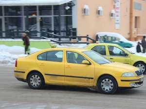 Taxiurile, foarte solicitate în aceste zile