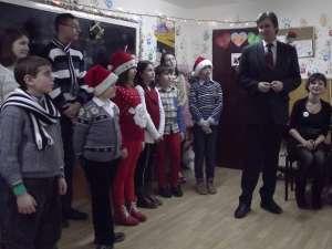 """Serbare de Crăciun la Centrul """"Creştem Împreună"""" de la Şcoala Nr. 3 Suceava"""