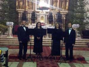 """Biserica Catolică """"Sfântul Ioan Nepomuk"""" Suceava a găzduit joi un concert memorabil al cvartetului vocal """"Cantabile"""""""