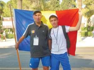 Sportivul Andrei Leanca(dreapta) şi antrenorul său Cristian Prâsneac