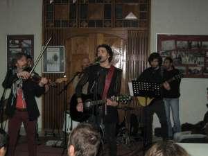Concertul trupei Hara