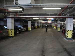 Modul în care şoferii utilizează parcările subterane din Centrul Sucevei  va fi supravegheat de un număr dublu de poliţişti locali
