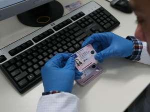 După pierdere sau expirare, permisele de conducere vor fi eliberate fără ca şoferul să susţină un nou examen. Foto: MEDIAFAX