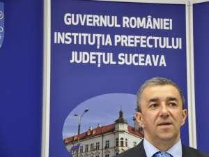 Prefectul judeţului, Florin Sinescu, a declarat că în cursul zilei de ieri, pe trei drumuri judeţene s-a circulat cu dificultate datorită viscolului puternic