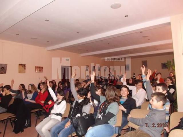 Elevii humoreni susţin conservarea şi valorificarea patrimoniului natural şi cultural de la Roşia Montană