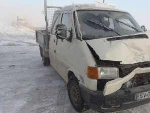 Autoutilitară marca Volkswagen Transporter implicată în accident
