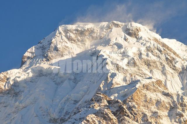 Annapurna Sud, în toată splendoarea dimineţii