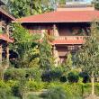 Complex turistic de tip occidental în Chitwan