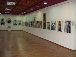 """Expoziţia de pictură, grafică şi sculptură """"Suprapuneri"""""""