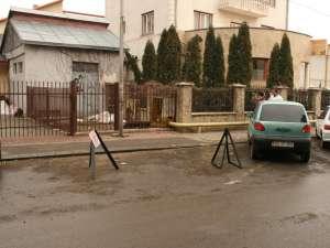 Parcarea ilegală de pe strada Amurgului din cartierul Burdujeni