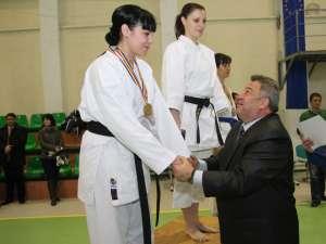 Pentru performanţa sa, Anamaria Lomicovschi a fost felicitată de şeful IPJ Suceava
