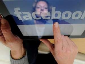 Vizualizarea propriilor fotografii publicate pe Facebook creează o stare de bună dispoziţie