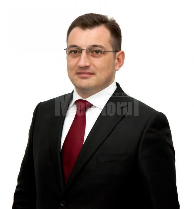 """Ioan Bogdan Codreanu: """"Prin acest proiect, firmele din localităţile care fac parte din Grupul de Acţiune Locală <Bucovina de Munte> pot să-şi dezvolte afacerile în urma colaborării cu agenţii economici din Italia"""""""