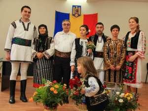 Nunta care a îmbinat tradiţii populare din aproape întreaga ţară