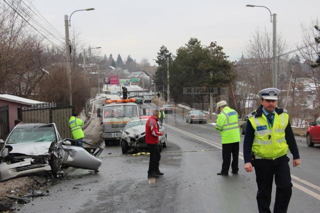 Două mașini s-au făcut zob, sâmbătă dimineață, pe Calea Unirii